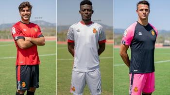 Camisetas de los 20 equipos de la Liga 2019 2020 Nuova_maglia_RCD_Mallorca_poco_prezzo_2020