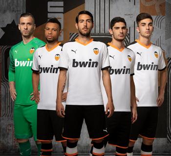 Camisetas de los 20 equipos de la Liga 2019 2020 Maglia_Valencia_2020_prima